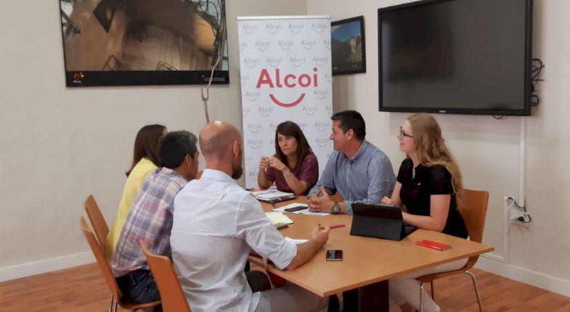 Foto El director general de Turismo presenta eDl Plan Director de Destino Turístico Inteligente de Alcoy